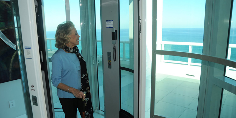 Vision 550 Elevator Wheelchair Accessible Pneumatic Glass